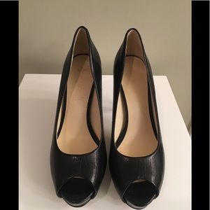 Nine West black leather peep toe heels 8.5 New!